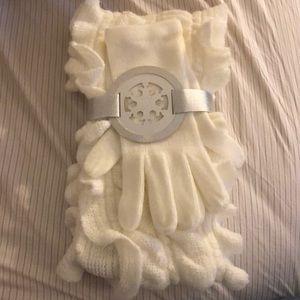 New York & Company White Gloves/Scarf Set